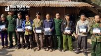 BĐBP Nghệ An thăm và tặng quà tổ chốt nước bạn Lào