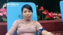 Nữ hộ sinh Nghệ An chạy xe hơn 20 km hiến máu cứu người