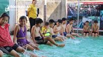 Các địa phương mở lớp học bơi cho thiếu nhi