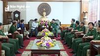 Quyền Bí thư Tỉnh ủy Xiêng Khoảng đến thăm, chào xã giao Bộ CHQS Nghệ An