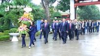 Phó Thủ tướng Vương Đình Huệ thăm các khu di tích lịch sử ngày đầu xuân mới