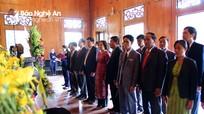 Ban Tuyên huấn tỉnh Xiêng Khoảng (Lào) dâng hương tại Khu Di tích Kim Liên