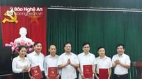 Ban Tổ chức Tỉnh ủy công bố sáp nhập phòng và bổ nhiệm cán bộ