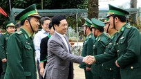 Phó Bí thư Thường trực Tỉnh ủy Nguyễn Xuân Sơn thăm, tặng quà Tết tại huyện Quế Phong