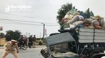 Xe container tông xe chở rác bẹp đầu, 2 người trọng thương