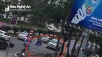 Nghệ An: Tạm giữ tài xế xe bán tải lùi xe cán chết người