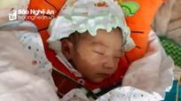 Nghệ An: Phát hiện bé gái sơ sinh bị bỏ rơi trước cổng chùa