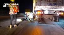 Đâm đuôi xe tải trên Quốc lộ 1A, người đàn ông nguy kịch