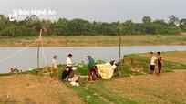 Phát hiện thi thể nam giới ở ven bờ sông Lam