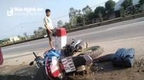 Tự đâm xe máy vào cọc tiêu bên quốc lộ 1A, cô gái trẻ tử vong tại chỗ