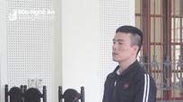 Đi hát karaoke, 'kẹp theo' ma túy để dùng, gã trai nhận 18 năm tù