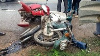 Tai nạn liên hoàn giữa ô tô và 2 xe máy, 3 người bị thương