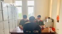Nam thanh niên Nghệ An bị xử phạt vì mặc quân phục công an chụp ảnh 'câu like'