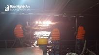 Cứu nạn thành công tàu cá và 15 thuyền viên Nghệ An gặp nạn trên biển
