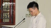 Ông bố trẻ lĩnh án tử bật khóc khi gặp con thơ tại tòa