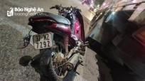 Xe máy va chạm xe tải trên Quốc lộ 1A, một nữ sinh thiệt mạng
