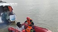 Tìm kiếm người phụ nữ nghi nhảy cầu Bến Thủy tự vẫn
