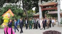 Lãnh đạo tỉnh dâng hoa, dâng hương tưởng niệm Chủ tịch Hồ Chí Minh