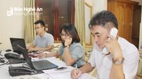 Hơn 20 cử tri gọi đến đường dây điện thoại trực tuyến tại kỳ họp thứ 15, HĐND tỉnh khóa XVII