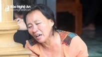 Người thân khóc ngất đón thi thể thuyền viên gặp nạn ở biển Quảng Bình về quê nhà