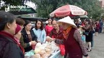 Độc đáo phiên chợ thực phẩm an toàn chào Xuân 2018