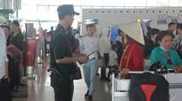 Thanh niên đột nhập máy bay là nam sinh viên Trường ĐH Vinh