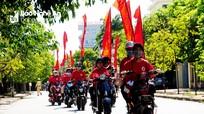 Hơn 200 tình nguyện viên diễu hành tuyên truyền Chương trình 'Hành trình đỏ 2019'
