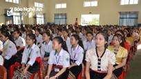 Chủ tịch Ủy ban MTTQ tỉnh dự lễ khai giảng tại Trường Phổ thông dân tộc nội trú THPT số 2 Nghệ An
