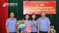 Trao Quyết định bổ nhiệm Phó Viện trưởng Viện KSND thị xã Thái Hòa