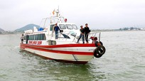 """Du thuyền hiện đại """"chạy đà"""" mùa du lịch sông nước Cửa Lò 2019"""