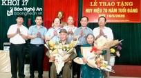 Trao Huy hiệu 75, 70 tuổi Đảng cho các đảng viên tại Thành phố Vinh