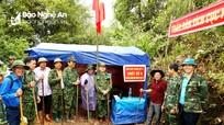 Phó Bí thư Tỉnh ủy Nguyễn Văn Thông thăm Điểm chốt liên ngành Nhọt Lợt ở biên giới Việt - Lào