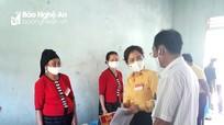 Chủ tịch Ủy ban MTTQ tỉnh kiểm tra bầu cử tại huyện Con Cuông