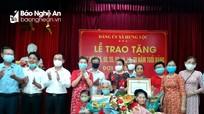 Trao Huy hiệu Đảng cho 49 đảng viên ở xã Hưng Lộc (TP Vinh)