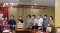 Ban Tuyên giáo Tỉnh ủy quyên góp ủng hộ Quỹ phòng, chống dịch Covid-19
