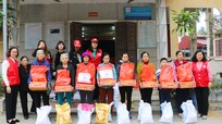 Hội Chữ thập đỏ Nghệ An phối hợp trao quà Tết đến người nghèo, nạn nhân da cam