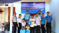 Tập đoàn Bảo Việt trao nhà Đại đoàn kết cho hộ nghèo ở Quỳnh Lưu