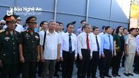 Đoàn công tác Trung ương hội Hữu nghị Việt Nam - Lào tưởng niệm các Anh hùng liệt sĩ tại Anh Sơn