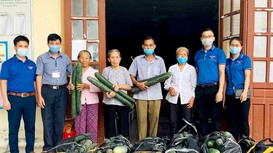 Nghệ An: Sôi động chung tay 'giải cứu' hàng loạt nông sản cho nông dân