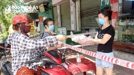 TP Vinh: Nhiều cửa hàng thiết yếu tự 'phong tỏa' để phòng dịch