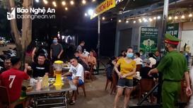 TP. Vinh tiếp tục xử phạt 5 quán bia vi phạm các quy định phòng dịch