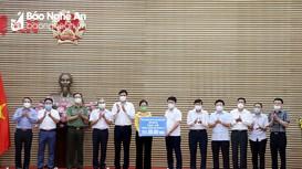 Các thành viên UBND tỉnh ủng hộ 108 triệu đồng vào Quỹ phòng, chống Covid-19 tỉnh