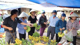 Nhộn nhịp chợ quê xứ Lường ngày rằm tháng Bảy