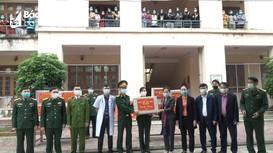 Nghệ An: Thăm, tặng quà các sinh viên Lào tại khu cách ly phòng, chống dịch Covid-19