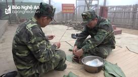 Tết sớm của những người lính quân hàm xanh trên điểm chốt vùng biên