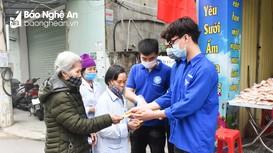 Tỉnh đoàn Nghệ An ra quân đội tình nguyện viên phục vụ tại quán cơm 2.000 đồng