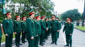 Phó Tổng tham mưu trưởng Quân đội nhân dân Việt Nam thăm lực lượng quân sự, biên phòng Nghệ An