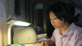 Thủ khoa môn Văn trường Phan 'nghiện' sách, báo, mê ghi ta