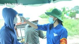 Những người tình nguyện lên tuyến đầu chống dịch ở Nghệ An