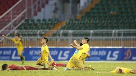 HIGHLIGHT:  U15 SLNA thắng U15 Khánh Hòa ở bán kết U15 Quốc gia